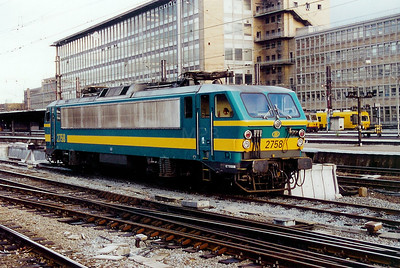 2758 at Brussels Midi on 23rd November 2001
