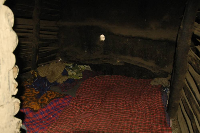 x_32  in the hut - the bedroom