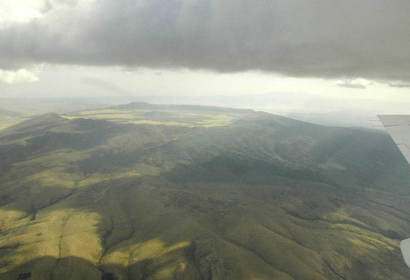 x_14 Ngorongoro Crater from the air - distant