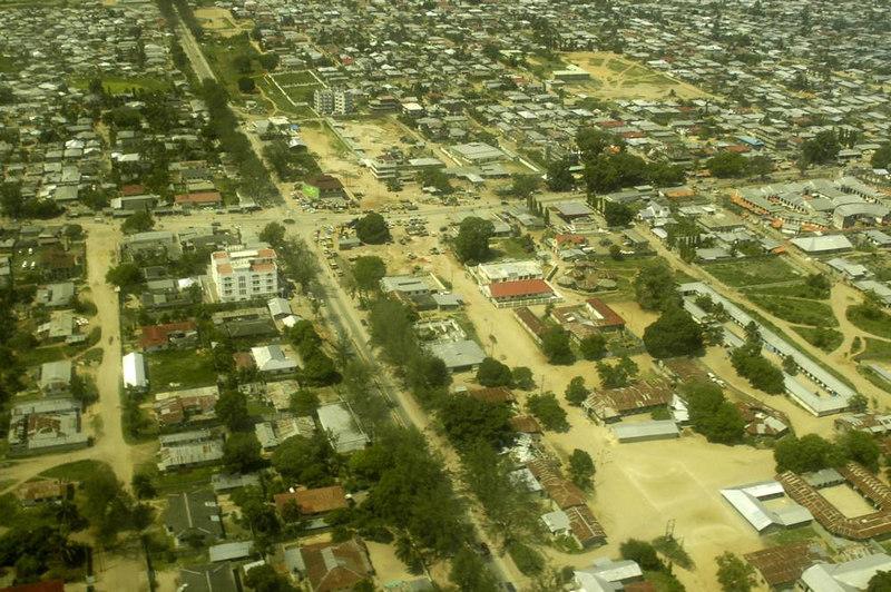 x_08 Zanzibar Town from the air- B