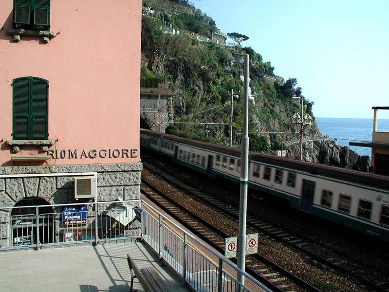 x-0766 train passing through Riomaggiore station