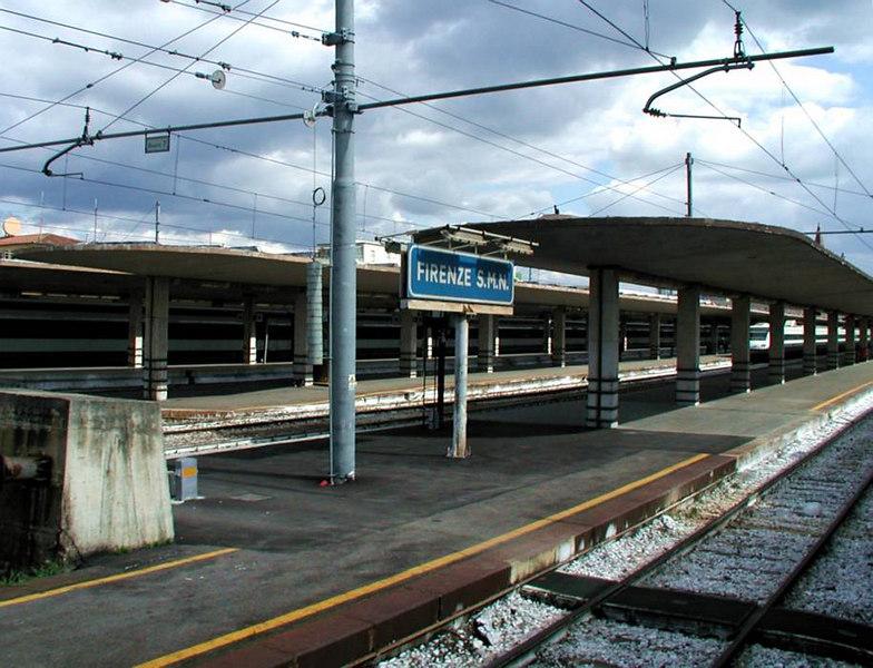 x-0359 pulling into Stazione Santa Maria Novella