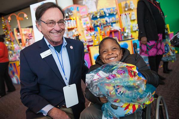 Suwanee Mayor Jimmy Burnette and Isaac Afolabi, 5, Duluth