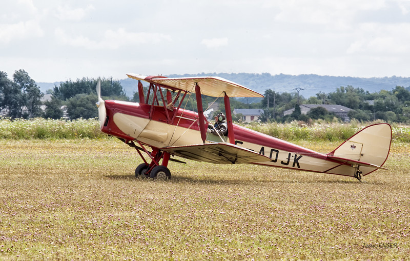 Private de Havilland DH. 82 Tiger Moth G-AOJK