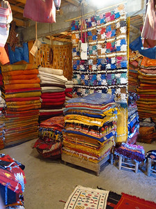Just like in Marrakech, there are many different shops on your way through the valley selling everything from carpets and rugs to all kinds of trinkets.