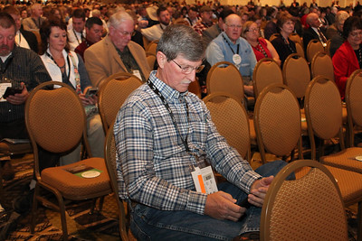 Rapides Farm Bureau Parish President Bill Cheek is tweeting at his local representatives about issues related to agriculture, as part of a group participation activity in the opening session.