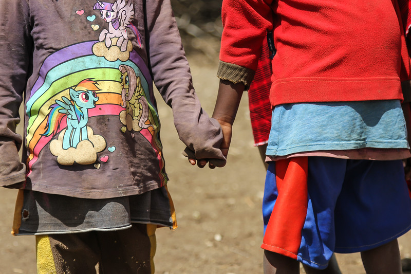 Masai children holding hands - Serengeti-5415