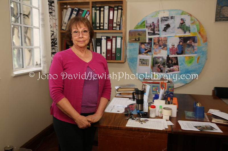 KE 345  Maggie Jonsson, coordinator, Nairobi Hebrew Congregation