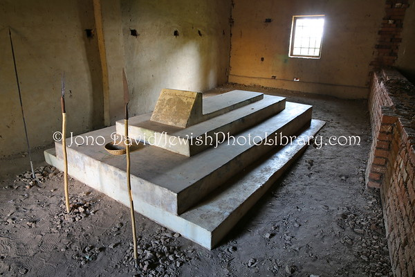 UGANDA, Mbale District, Kakungulu Hill, Nabugoye Village. Semei Lwakirenzi Kakungulu Tomb, Abayudaya founder. Abayudaya Jews. (8.2013)