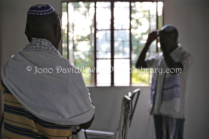 UG 529  Rabin Asiimwe (L) and Samson Nderitu