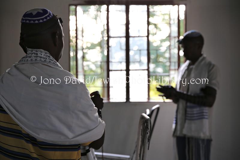 UG 527  Rabin Asiimwe (L) and Samson Nderitu
