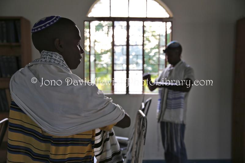 UG 520  Rabin Asiimwe (L) and Samson Nderitu