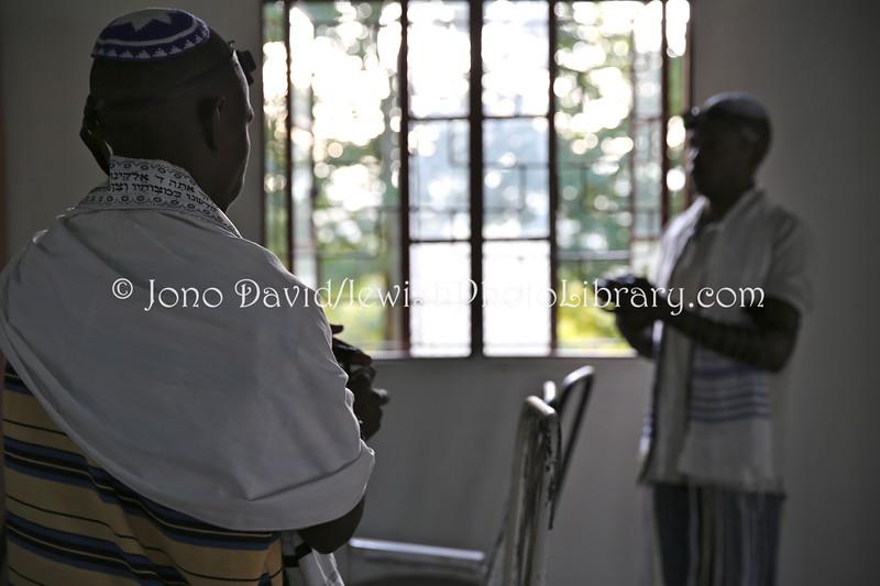 UG 528  Rabin Asiimwe (L) and Samson Nderitu
