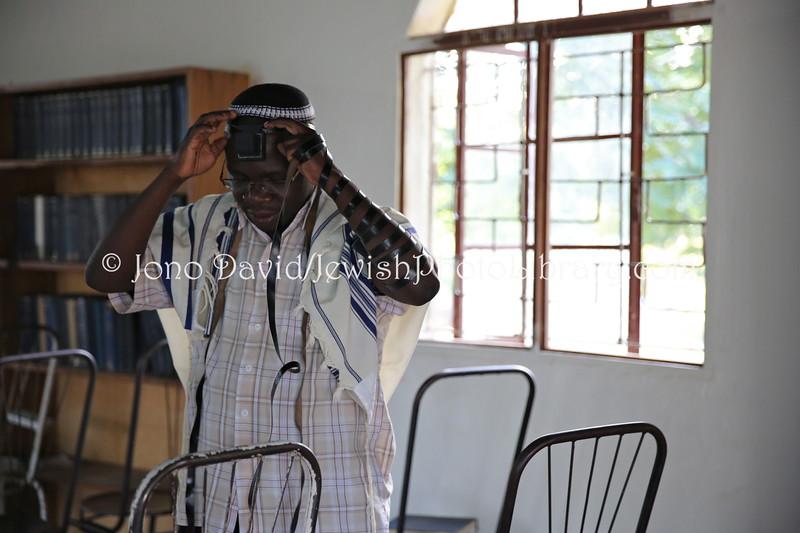 Gershom Sizomu Rabbi ug 543 Rabbi Gershom Sizomu
