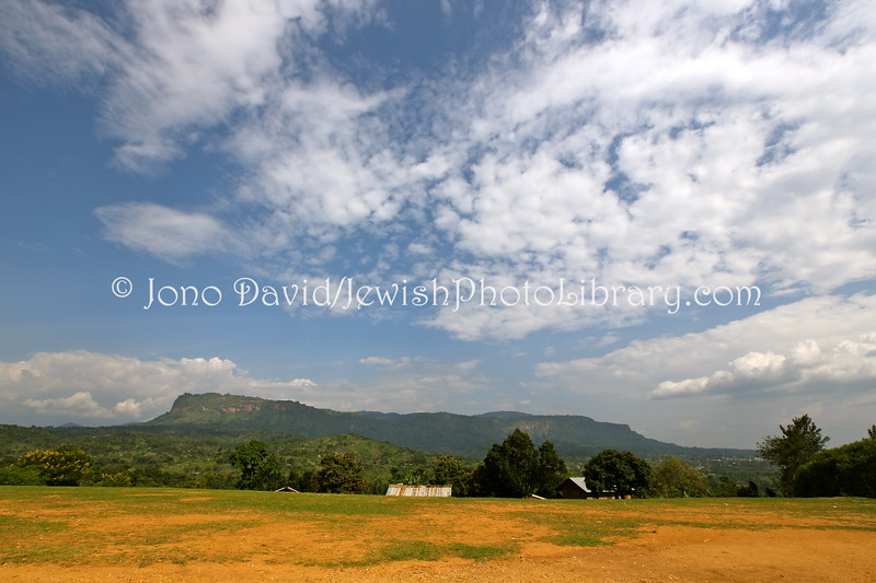 UG 316  View of Wanale Mountain