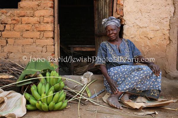 UGANDA, Mbale District, Namanyonyi Sub-county, Nangolo Village. Mama Deborah, mother of Rabbi Gershom Sizomu. Abayudaya Jews. (8.2013)
