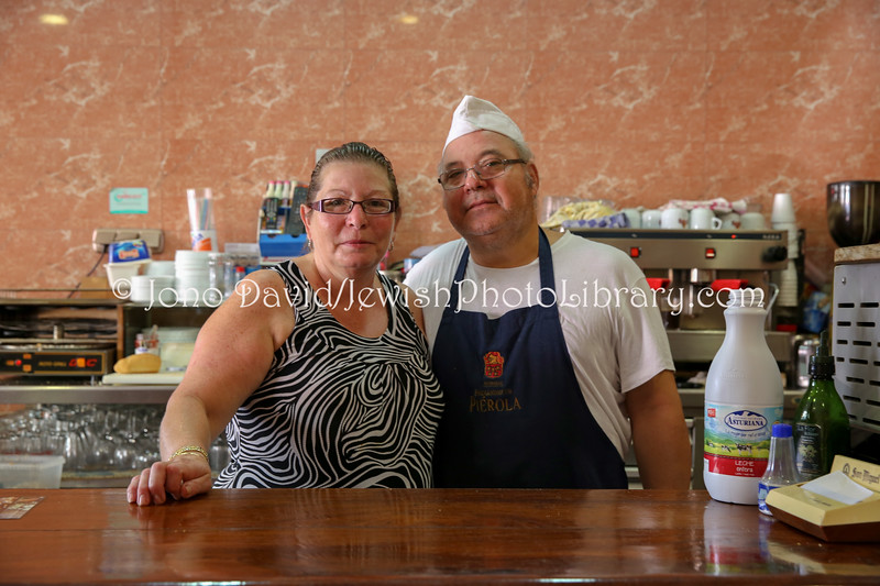ES 799  Owners, Cafe Bar Los Taxis