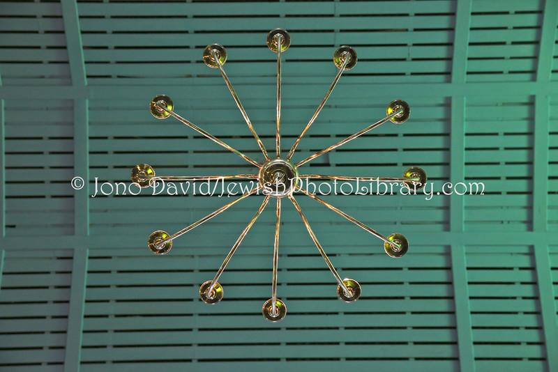 ZA 11033  Ceiling
