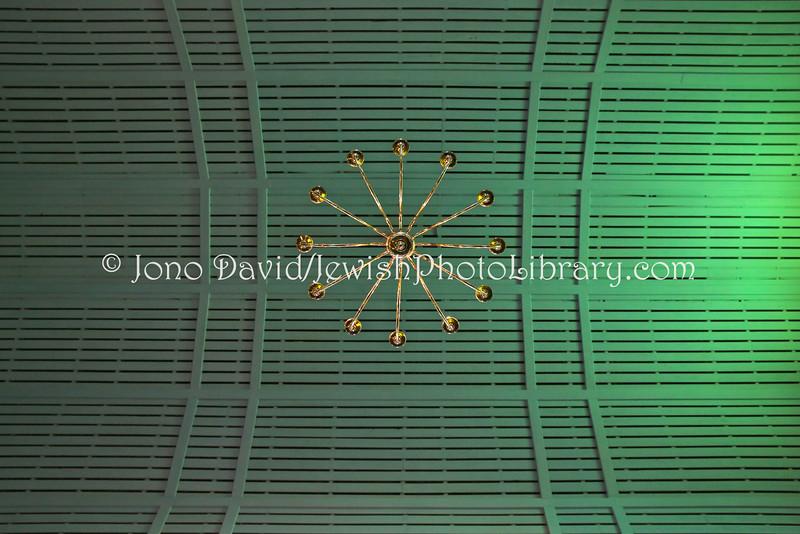ZA 11034  Ceiling