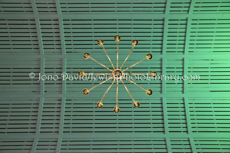 ZA 11035  Ceiling