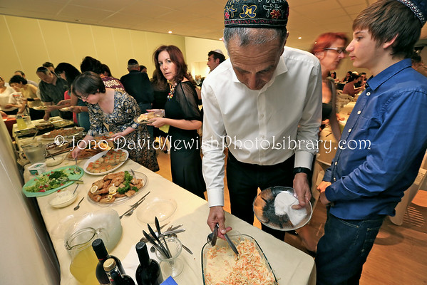 SOUTH AFRICA, Western Cape, Cape Town, Green Point. Passover (Pesach) seder, Temple Israel Progressive Jewish Congregation (3.2013)