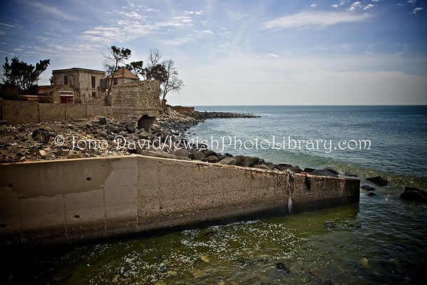 SENEGAL, Rufisque. Site of former synagogue (alleged, lost to the sea) (2.2016)