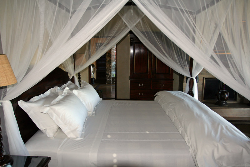Luxury Linens and Kingsize Bed