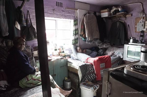 Pièce unique pour toute une famille • One room for a whole family