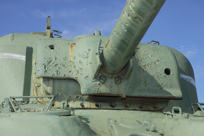 M4A1 gun barrel and mantlet damage detail