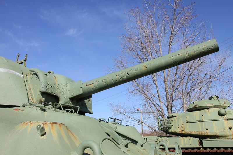 M4A1 gun barrel and mantlet damage
