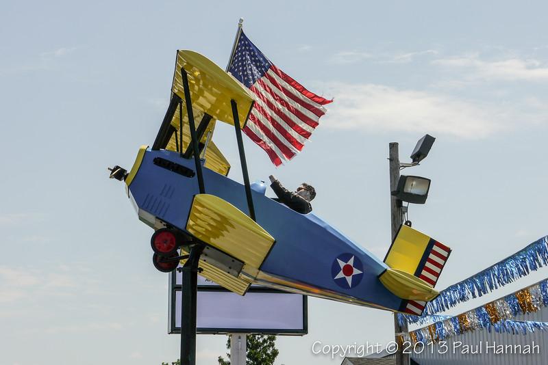 Cool Plane @ Car Dealership - P1140098