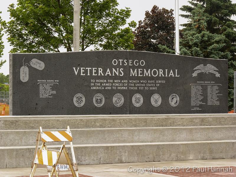 Ostego Veterans Memorial - 1 - P1090079