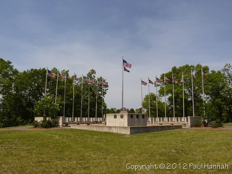 MN Veterans Memorial - P1080867