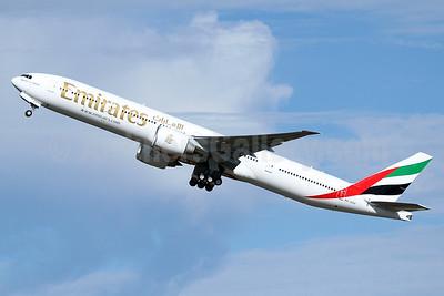 Emirates Airline Boeing 777-31H ER A6-EPP (msn 42335) PAE (Nick Dean). Image: 933904.