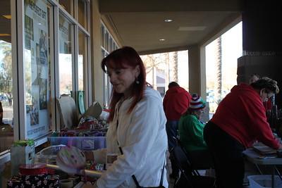 12-24-18 Arrowhead B & N Gift Wrap