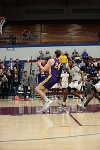 MBB at New Haven 20190302-0647