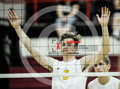 maxpreps sicurello bVball18 GilbertvsHighland-7203
