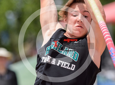 maxpreps sicurello maxpreps Track18 Wed PreFinals BoysPoleVault-1675