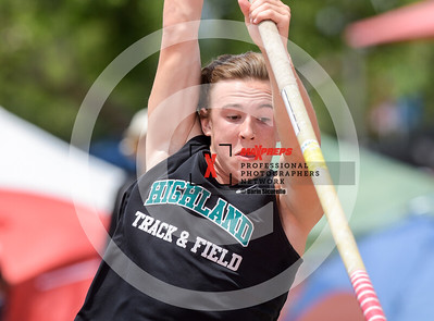 maxpreps sicurello maxpreps Track18 Wed PreFinals BoysPoleVault-1674