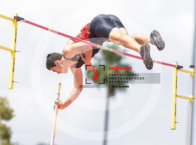 maxpreps sicurello maxpreps Track18 Wed PreFinals BoysPoleVault-2443