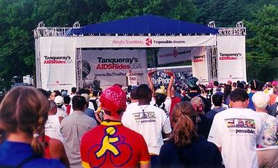 2001_Crowd