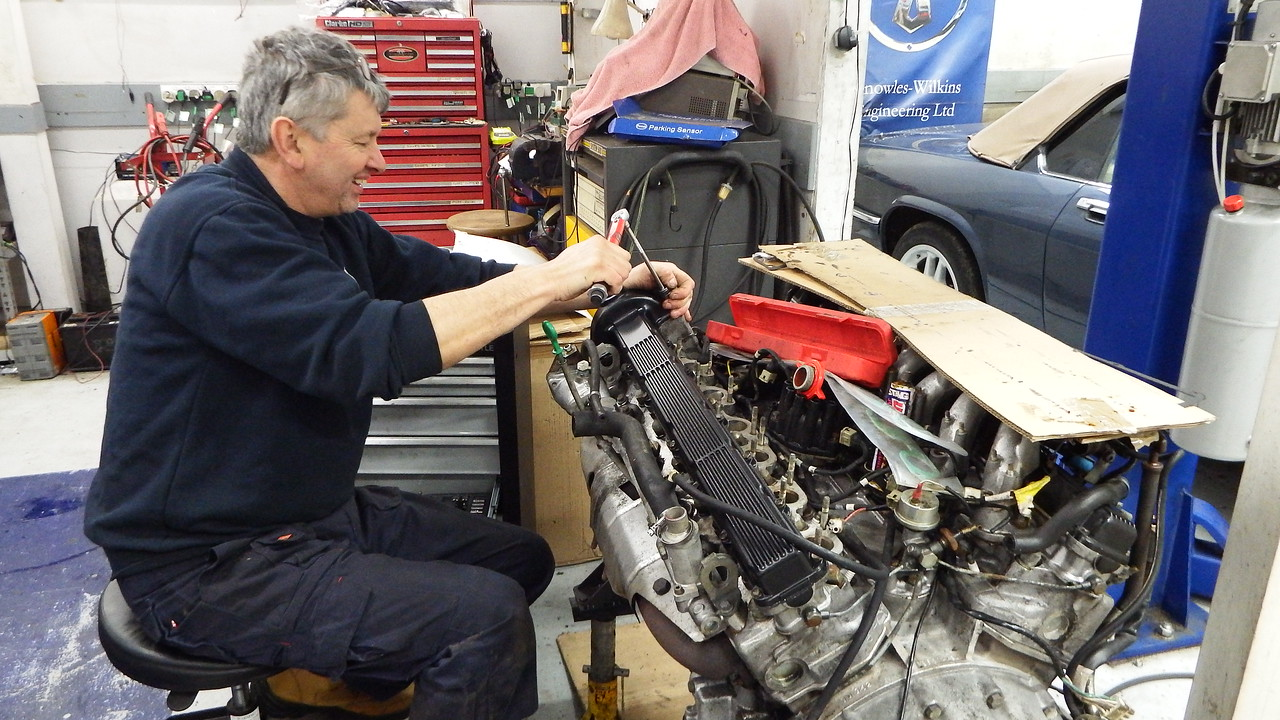 Phil torquing the cam cover bolts