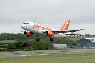EasyJet A320 G-EZPG.