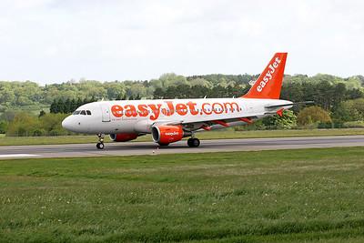 EasyJet A319 G-EZEV.