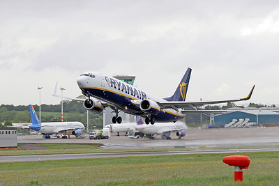 Ryanair B737 EI-DCJ departing.