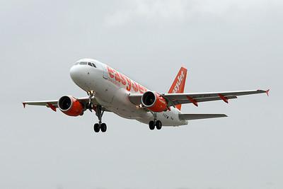 EasyJet A319 G-EZIT departing.