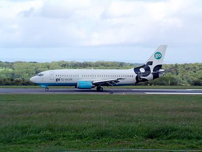 Go B737 G-IGOR landing on runway 27, 25th May 2002.