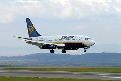 Ryanair B737-200 EI-CNW landing on 09 Lulsgate 9th April 2003.
