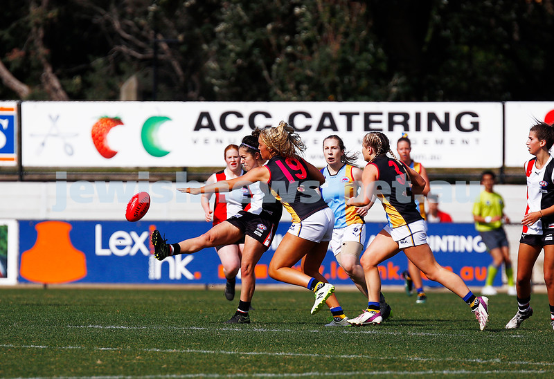13-8-17. VAFA Women Preliminary Final. AJAX Jackettes were deferated by Old Mentonians 5-6-36 to 5-8-38. Elyse Cherny. Photo: Peter Haskin