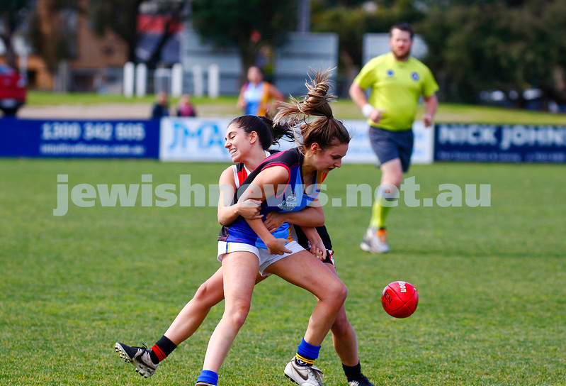 13-8-17. VAFA Women Preliminary Final. AJAX Jackettes were deferated by Old Mentonians 5-6-36 to 5-8-38. Alex Fleiszig. Photo: Peter Haskin